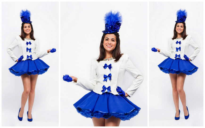 Blue & White Promo Girls - (Modellen S65)